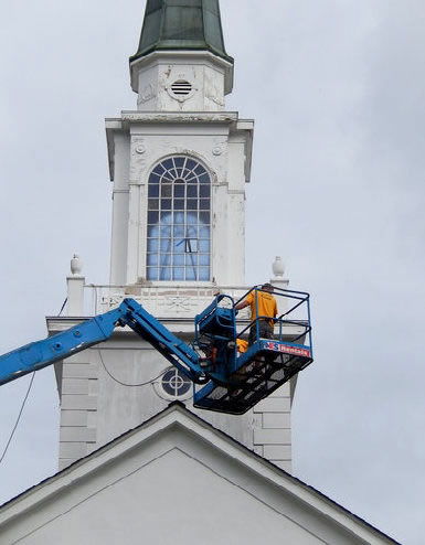 This intricate fiberglass steeple was refinished by Southern Steeplejacks in West Virginia.
