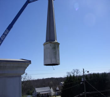Southern Steeplejacks replace a steeple in Alabama